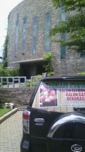 Gereja Stella Maris dilihat dari tempat saya parkir mobil